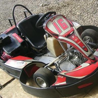 Emond go kart karting laurentides for Go kart interieur quebec